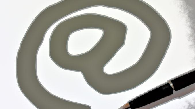 Das at-Zeichen (auch Klammeraffe genannt) gilt weltweit als Symbol für die Kommunikation via E-Mail.